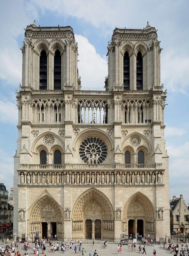 Roselyne Bachelot est contre le remplacement des vitraux de Notre-Dame de Paris