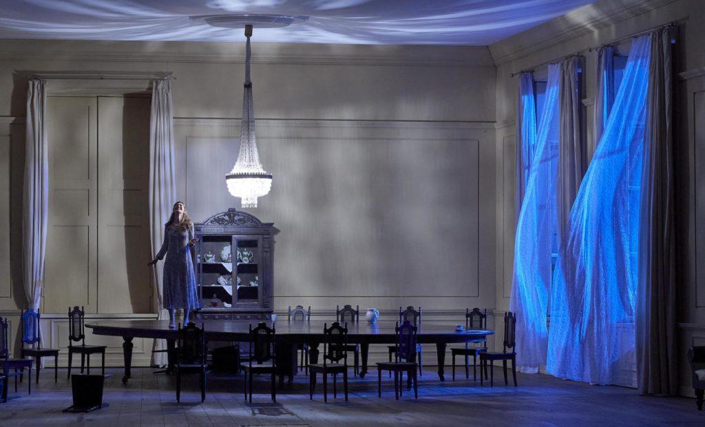 Eugène Onéguine à l'Opéra de Vienne : un avant-dernier spectacle jouissif avant fermeture et confinement.