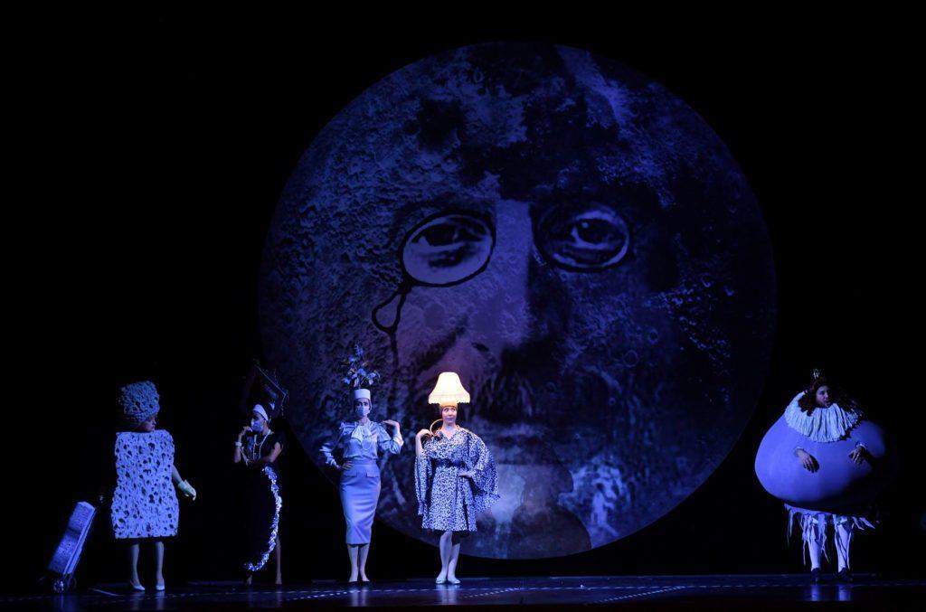 Un voyage dans la lune envers et contre tout à l'Opéra national de Montpellier
