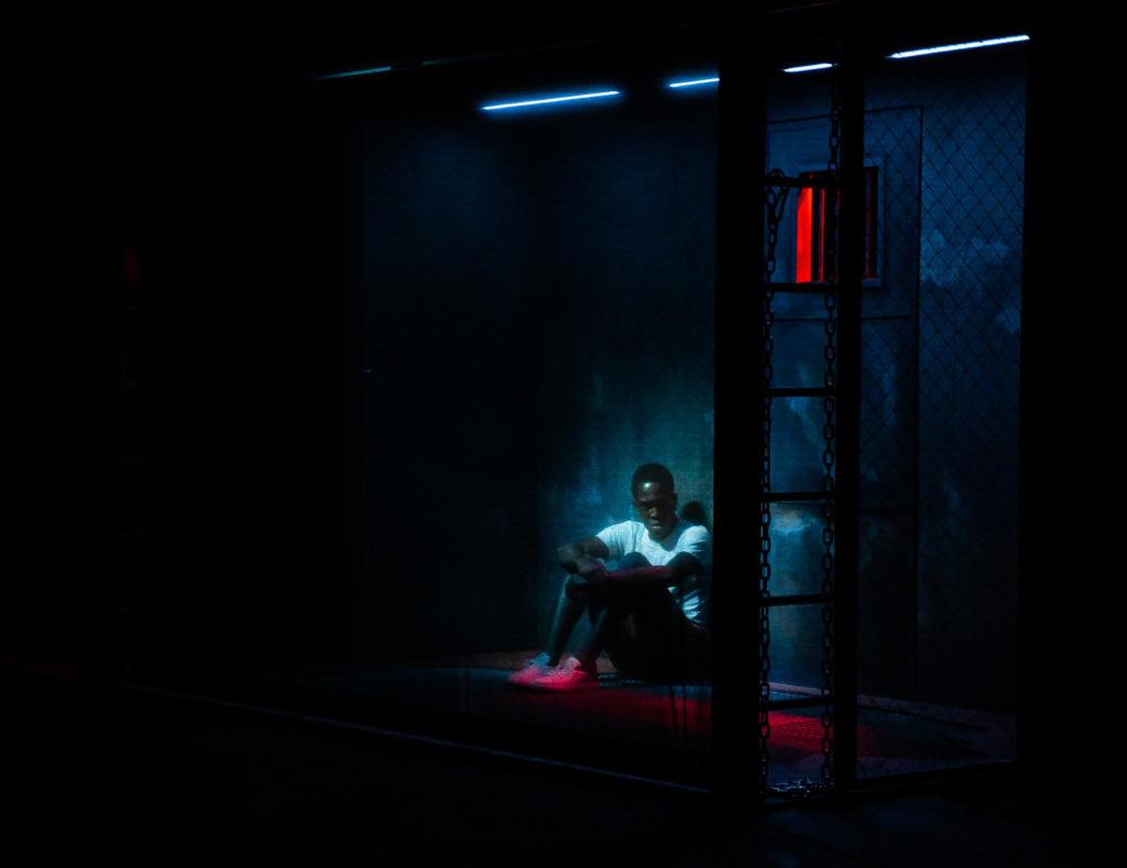 «Tropique de la violence» : la mise en scène transcendante de Alexandre Zeff