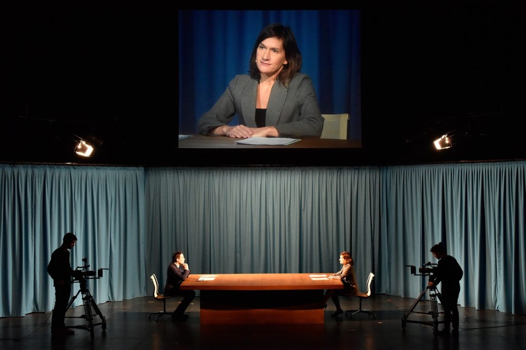 «Le grand débat» : la rhétorique politique poétique d'Emilie Rousset et Louise Hémon