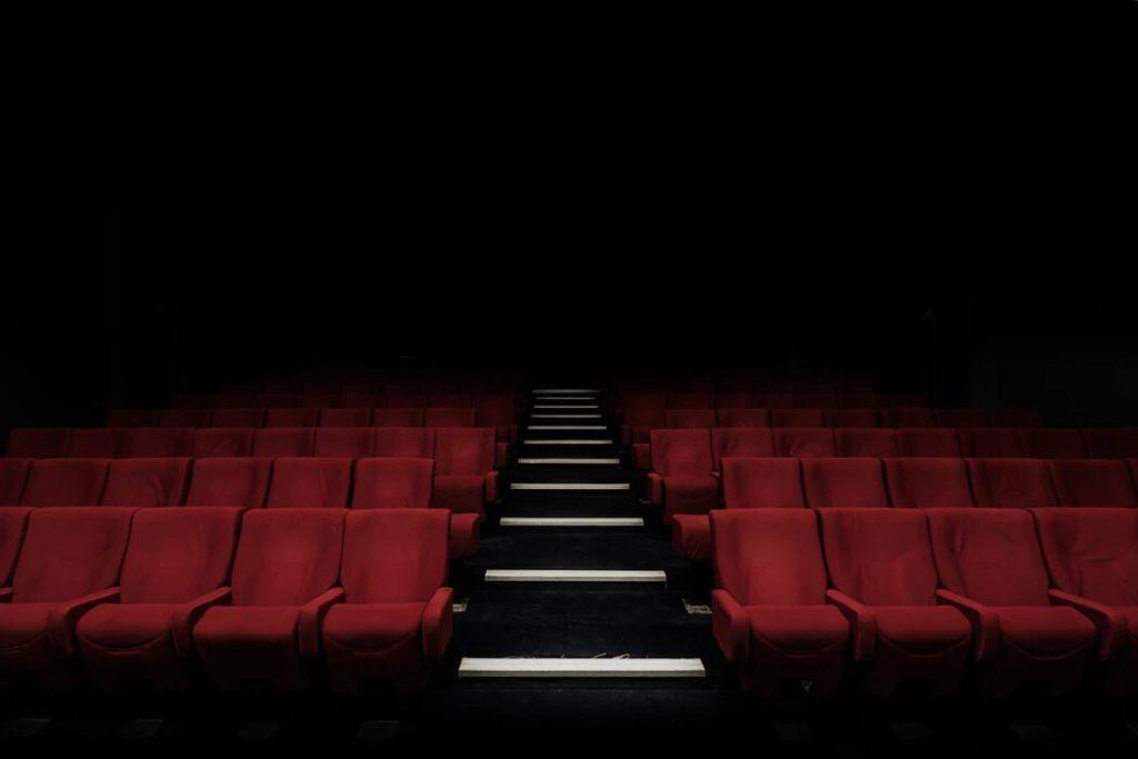 Une pétition à grande échelle pour la réouverture des salles de cinéma