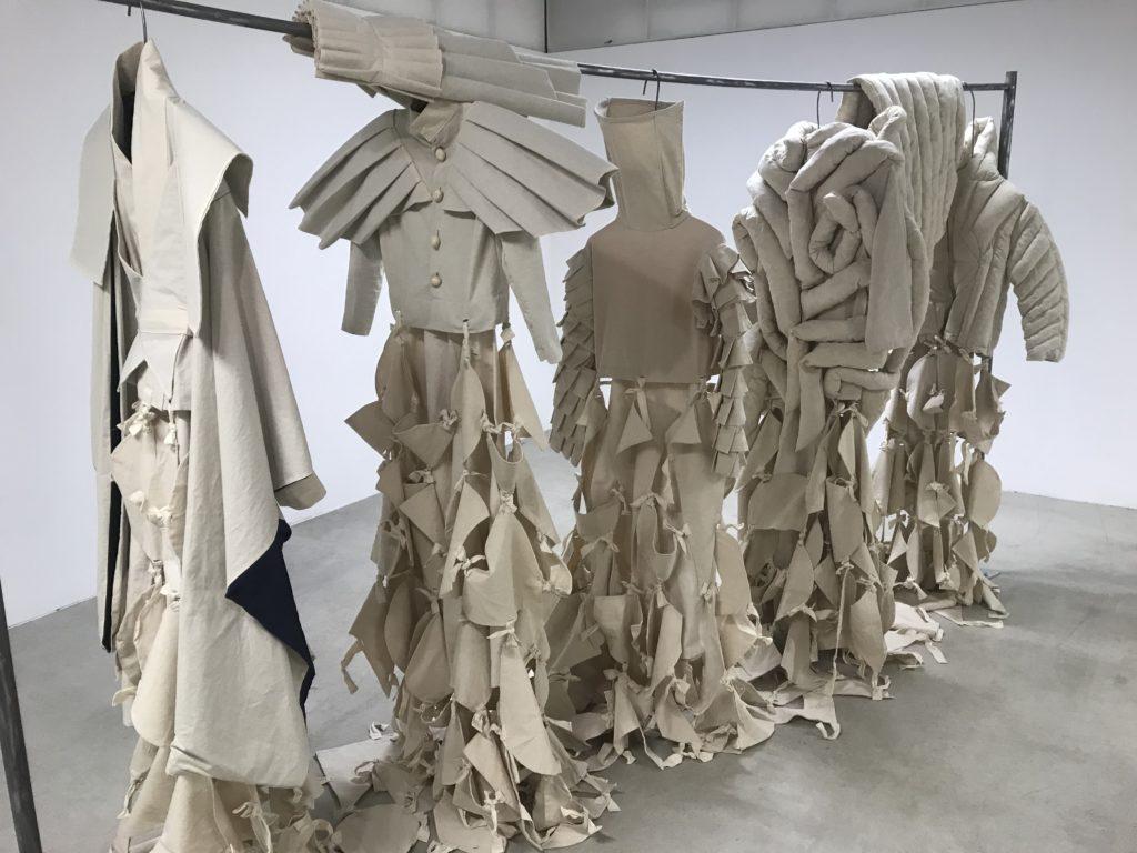 Quatre jeunes parcours artistiques à découvrir en une exposition au FRAC de Dunkerque