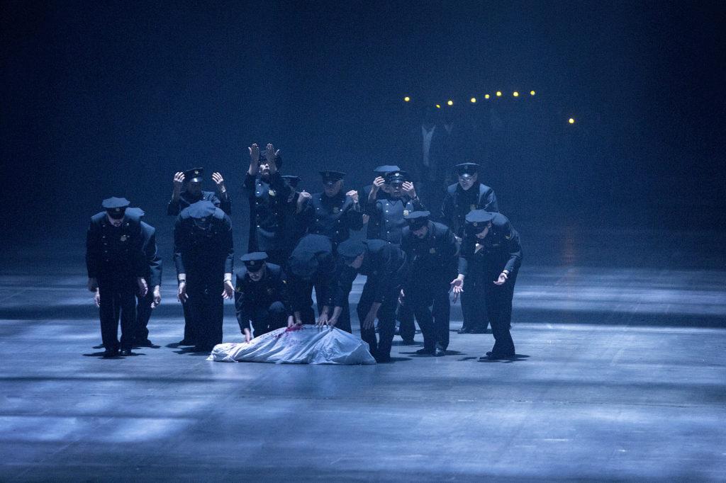 Buster, Castellucci burlesque et froid au Kunstenfestivaldesarts