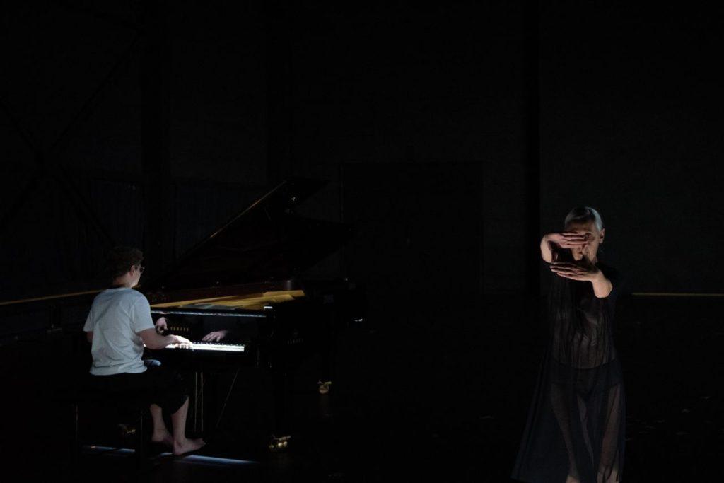 Anne Teresa de Keersmaeker : Bach again
