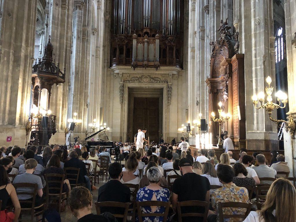 Qui va Piano, va sano soir 1 : de Feu Chatterton à Eddy de Pretto dans un Saint-Eustache intime