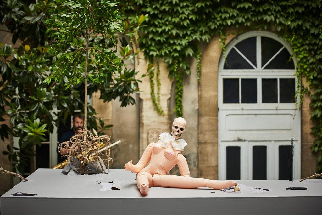 Johanny Bert et Loïc Touzé, la beauté se niche dans le détail au Festival d'Avignon