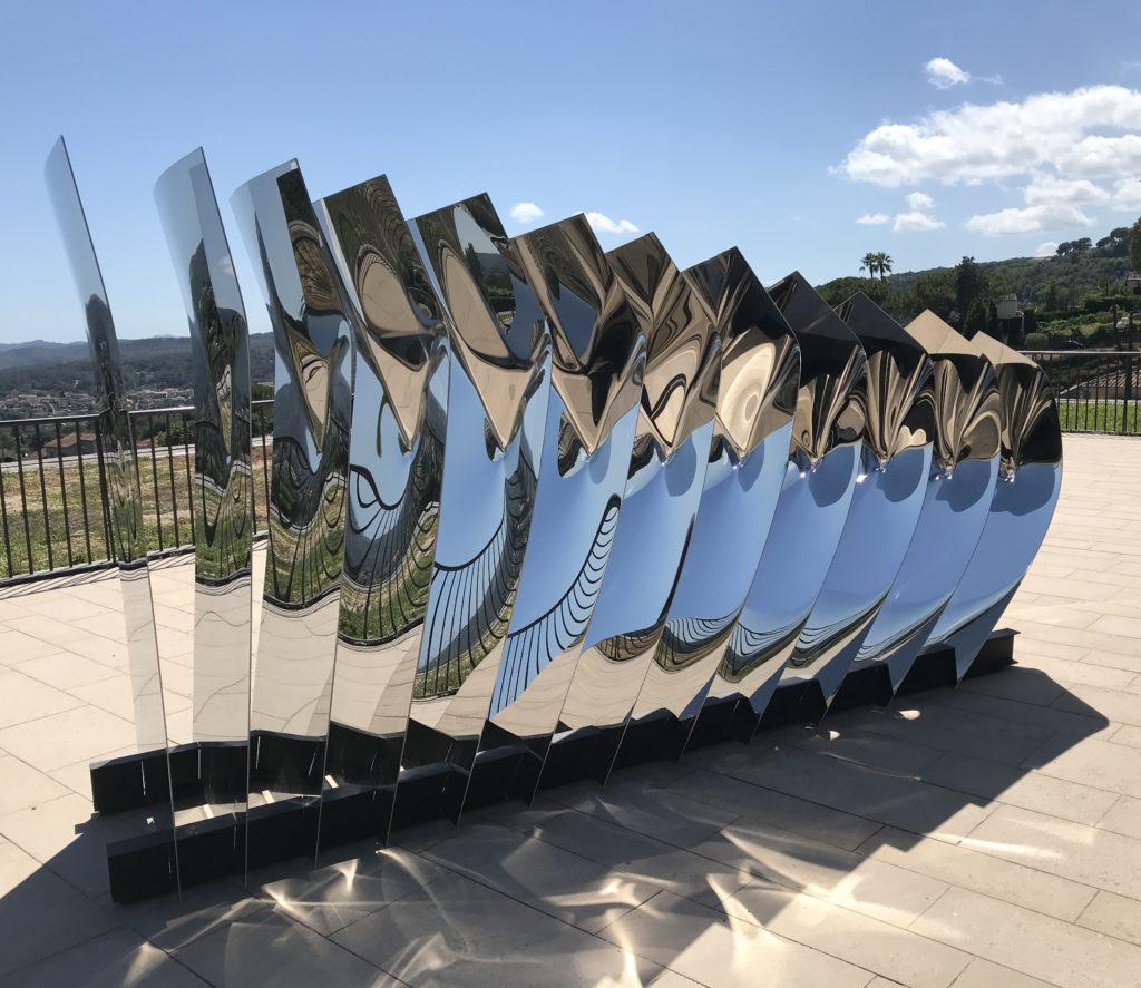 L'art contemporain investit le superbe village de Saint-Paul-de-Vence pour sa Biennale internationale.