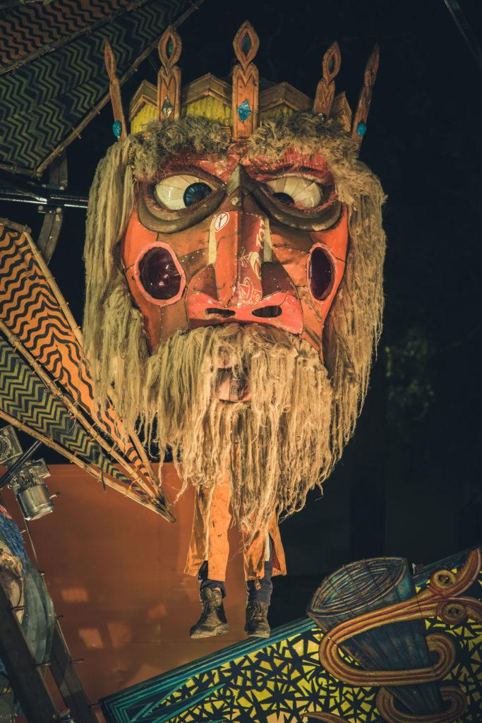Ouroboros, créateur de mystique foraine et ouvrière