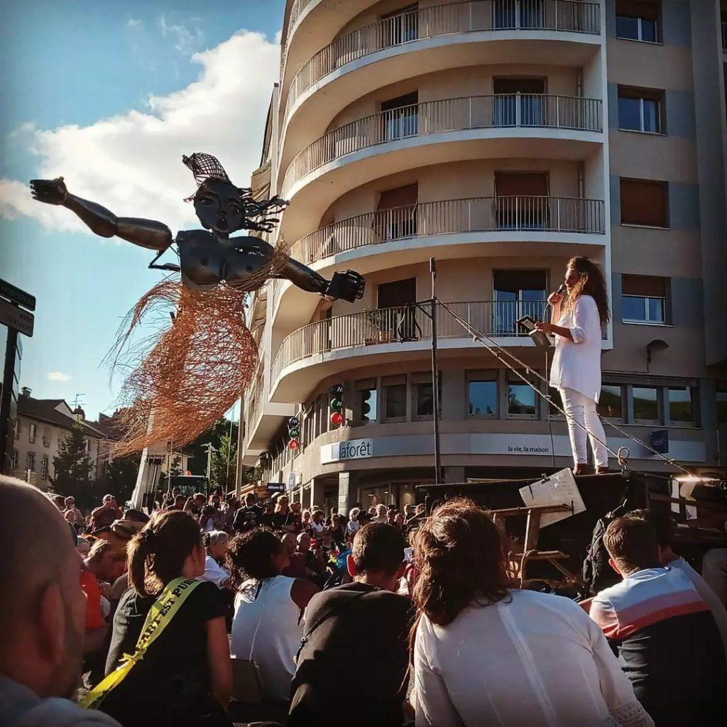 Les artistes de l'espace public imposent leurs revendications dans les rues d'Aurillac