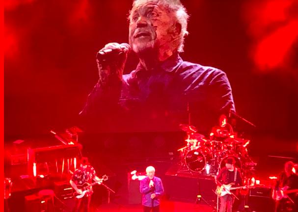 Tom Jones : Le Grand Rex sous le charme de The Voice !