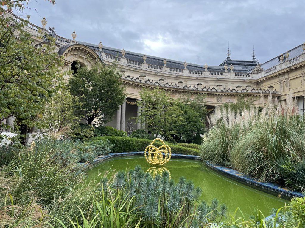 Jean-Michel Othoniel enchante un Petit Palais très coloré