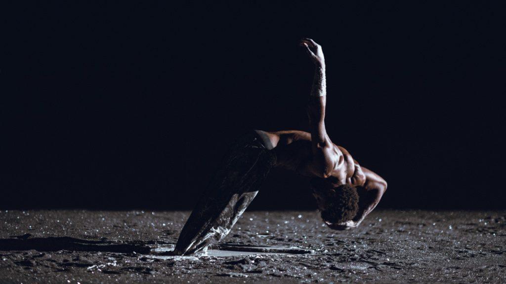 Planet [wanderer], le retour à la terre scène de Damien Jalet
