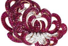 Van Cleef & Arpels scintille aux Arts Décoratifs