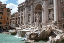Fendi restaure La Fontaine de Trevi