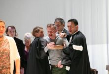 Découverte de Ferdinand Bruckner et suspicions de criminalité à la Colline
