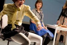 «Schubladen», le spectacle à tiroirs des allemandes She She Pop