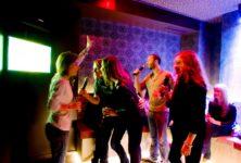 Le karaoké à la japonaise envahit Paris
