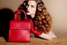 Charlotte Olympia annonce la sortie de sa première collection de sacs