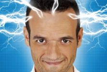 « Fabien Olicard vous mentalise », entre rire et mentalisme au Théâtre Le Point Virgule