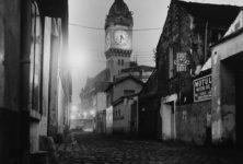 Paris la nuit à la galerie Argentic: sous les pavés, un amour en noir et blanc