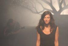 «Sérénades» : Anna Mouglalis joue les dévoilements brûlants au Montfort Théâtre