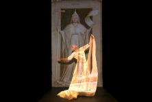 Et Carolyn Carslon entra au Panthéon
