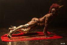 Le «Fantastic Cabaret Noir», un burlesque queer en demi-teintes