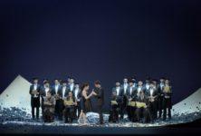 Une jeune et joyeuse bande de Figaro débarque sur la scène du Théâtre des Champs-Elysées