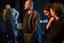 «Quoi / Maintenant» : le théâtre bourgeois anti-bourgeois de tg STAN