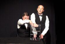 «Cirque à quatre mains», théâtre gestuel enthousiasmant pour vingt doigts sacrément entraînés