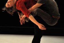 BRUT d'émotion, au carrefour de la danse, de l'acrobatie et du théâtre
