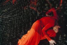 Togeth'HER, une exposition mêlant mode et art contemporain