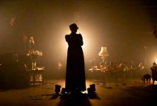 « Un jardin de silence » : hommage réussi à Barbara par L., Babx et Thomas Jolly à la Scala