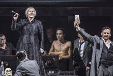 À l'Opéra Nice-Côte d'Azur, Olivier Py plonge «La Dame de Pique» dans le cœur de Tchaïkovski.