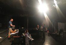 Le Grand Cerf Bleu répète dans un Théâtre Ouvert fermé