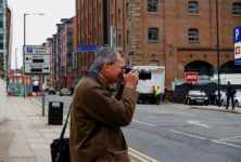 Martin Parr démissionne de la présidence du festival de photographie de Bristol, suite à des accusations de racisme