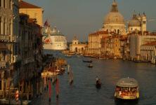 Venise: manifestation contre le retour des paquebots de croisière