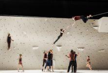 Rachid Ouramdane sur le fil en ouverture de Montpellier Danse