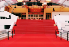 Schiaparelli, Valentino et Louis Vuitton sur les marches du Festival de Cannes