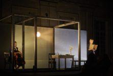 Le Mur invisible, le récit très opaque de Lola Lafon et Chloé Dabert au Festival d'Avignon